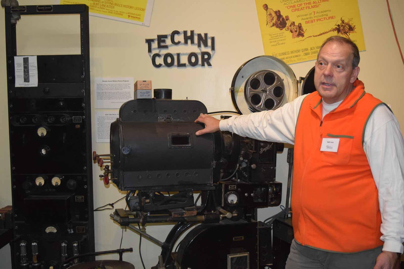 antique radio museum of connecticut 1 2 - The Connecticut Radio Museum
